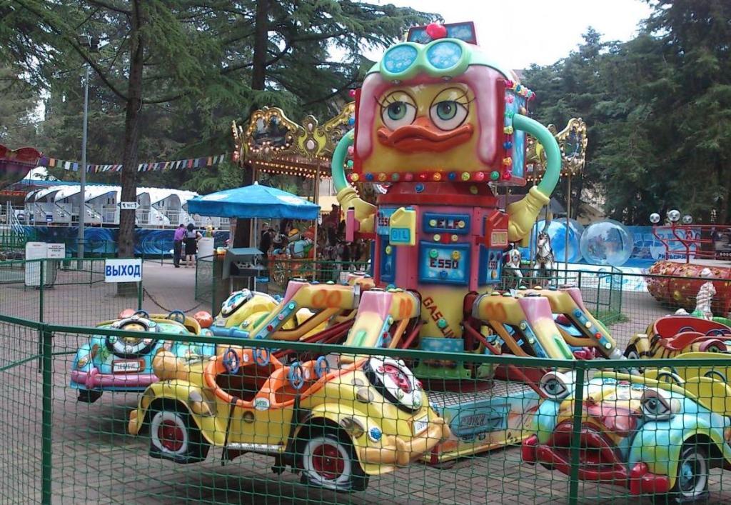Детские аттракционы в парке «Ривьера»