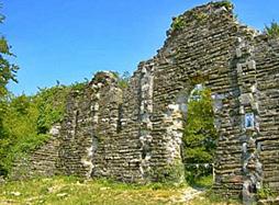 Крепость Годлик — шепот истории на морском берегу
